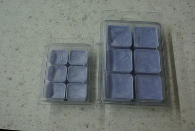 Clamshell mold