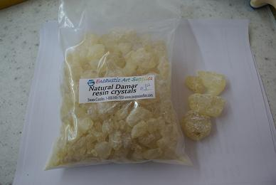 Dammar resin crystals